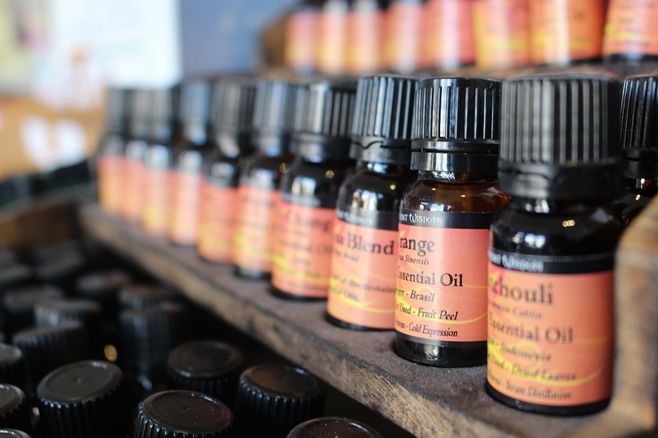 Which Aromatherapy Oils Are Safe During Pregnancy?